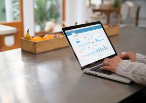 Access Xero Accounting on a laptop